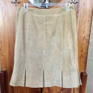 Ann Taylor LOFT Women's size 8 suede leather skirt